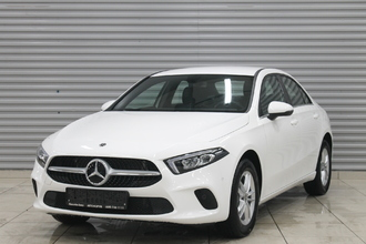 Mercedes-Benz A 200 Style Sedan 1.3T/150 7RT 4D
